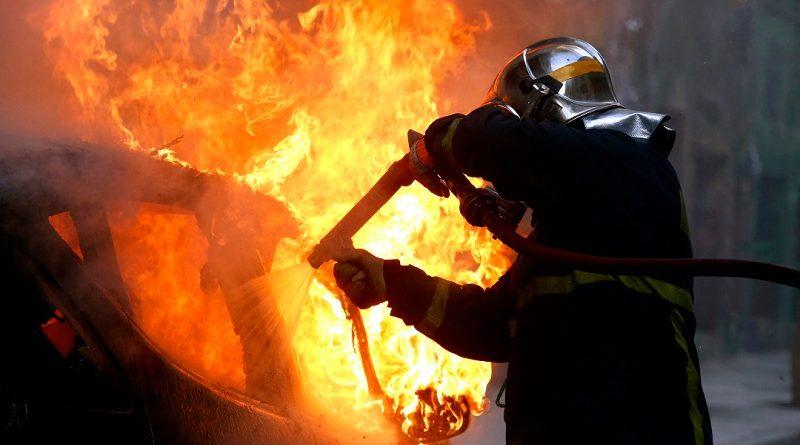 Στις φλόγες τυλίχθηκε ΙΧ, στο Παλαιό Φάληρο