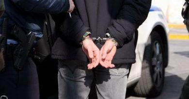 Συνέλαβαν στην Καλλιθέα μέλος συμμορίας διαρρηκτών