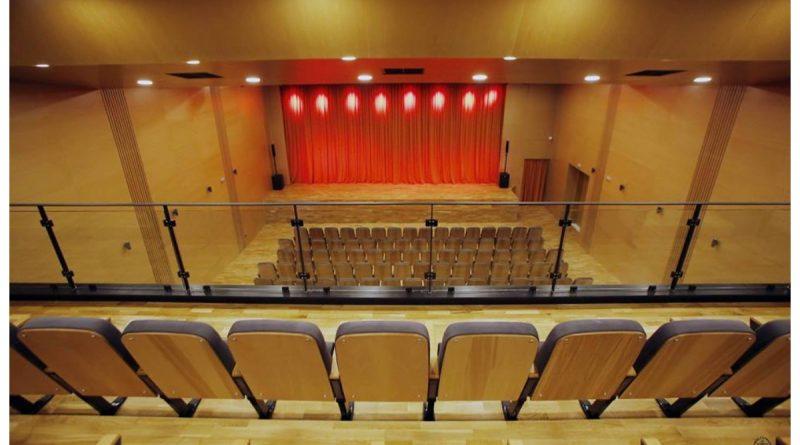 Η Γλυφάδα έχει το θέατρο που της αξίζει! (ΕΙΚΟΝΕΣ)