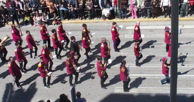 Ενθουσίασε στην παρέλαση η Φιλαρμονική του Δήμου Αγ. Δημητρίου (ΕΙΚΟΝΕΣ)