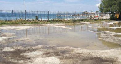 Παραλία Αλίμου: Τα κακά του…καιρού (VIDEO)