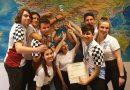 Ο Ανδρέας Κονδύλης συγχαίρει τους AlimoDynamics για τη βράβευσή τους