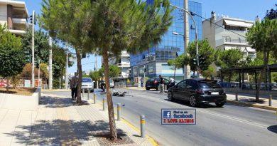 Άλιμος: Και άλλο τρακάρισμα στην Καλαμακίου (ΕΙΚΟΝΕΣ)