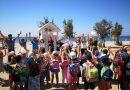 Oι μικροί ήρωες καθάρισαν την παραλία της Γλυφάδας (ΕΙΚΟΝΕΣ)
