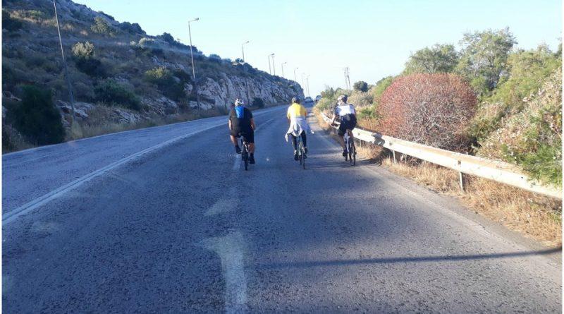 Οδηγοί λεωφορείων: Επικίνδυνη νοοτροπία ποδηλατών στην Αθηνών Σουνίου
